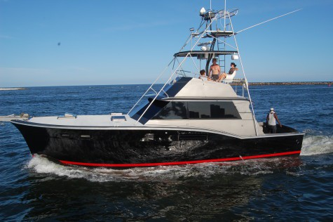 Deep sea saltwater fishing charters and fishing guides for Off shore fishing boats